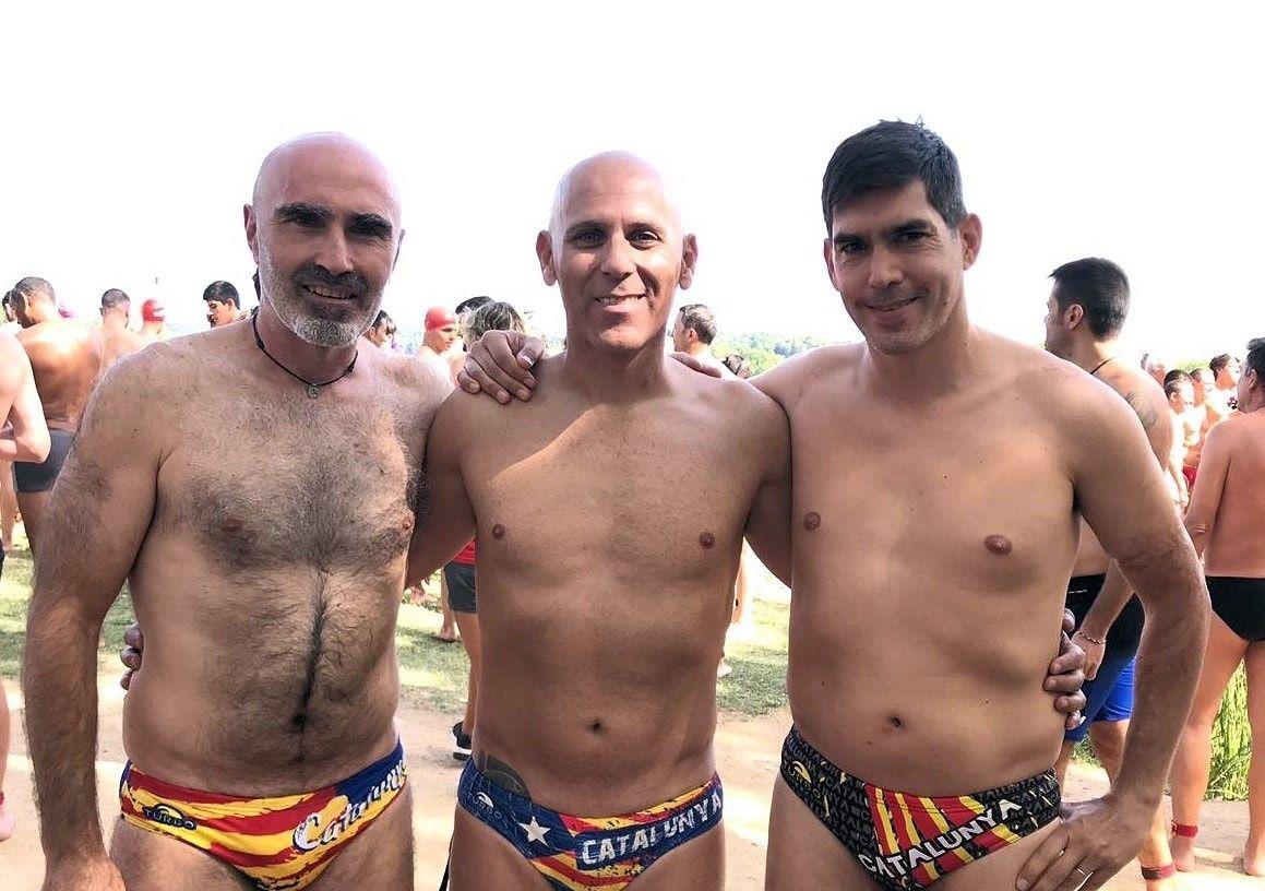 El Club Natació Rubí participa a la tradicional Travessia de l'Estany de Banyoles